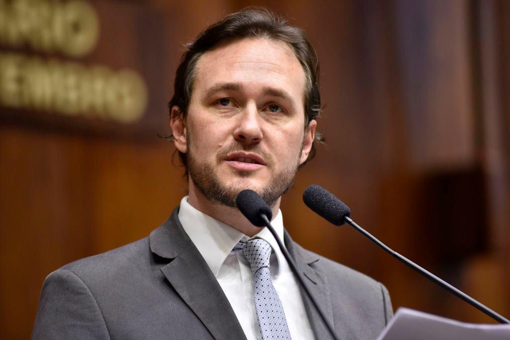 Deputado Vinicius Ribeiro solicita melhorias na RS-122