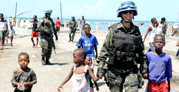 Após saída do Haiti, Brasil poderá atuar em missão de paz na África
