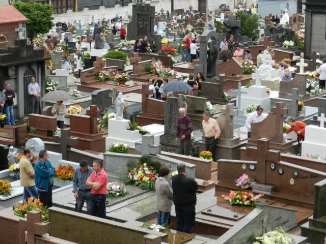 Bento: reformas em cemitérios devem ser realizadas até dia 20