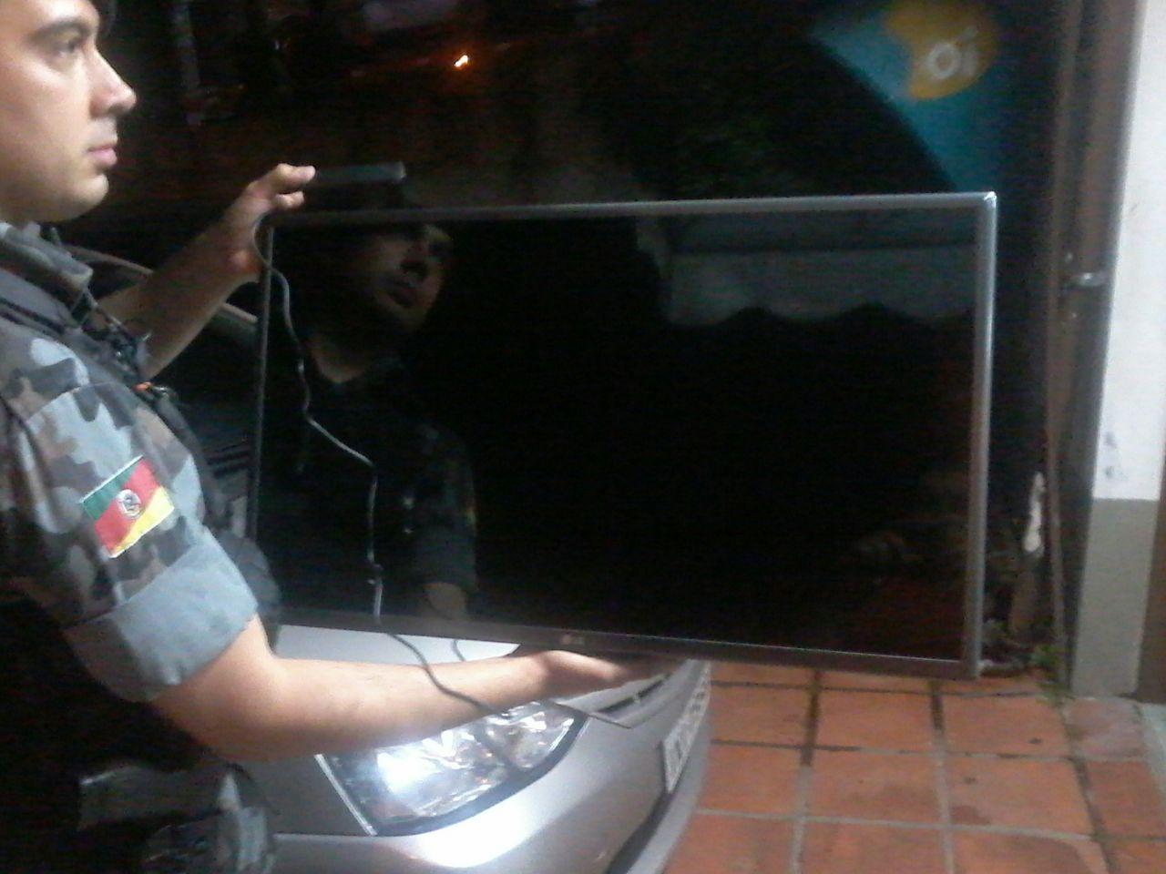 Após perseguição Brigada apreende objetos furtados em Bento
