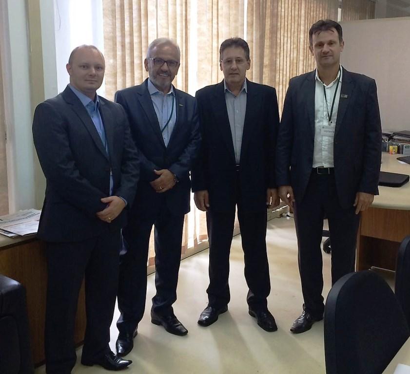 Comitiva da ExpoBento visita Secretaria de Desenvolvimento Rural e Cooperativismo do Estado