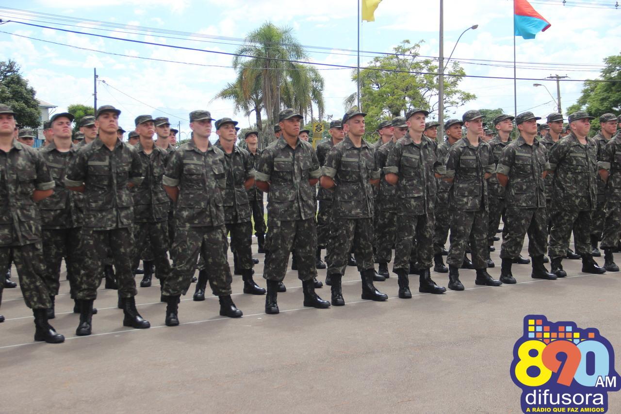 6ºBCOM incorpora 170 novos soldados em Bento