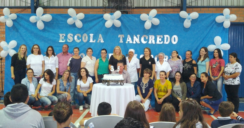 Escola Tancredo Neves completa 35 anos em Bento