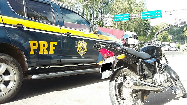 PRF recupera em Garibaldi motocicleta furtada em Farroupilha