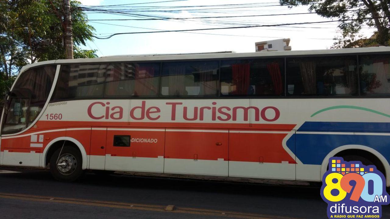 Ônibus de turismo é arrombado e pertences são levados de visitantes em Bento