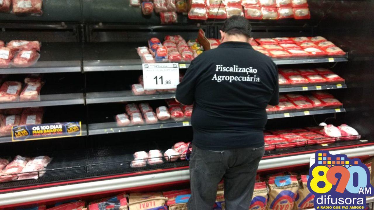Fiscalização apreende cerca de 230 kg de carne sem procedência em Bento