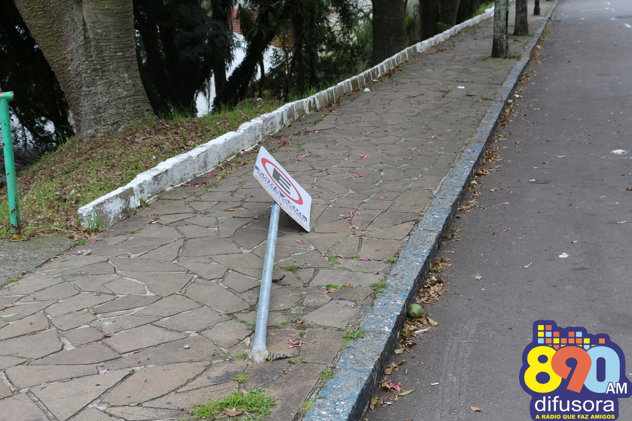 Vandalismo em placas em Bento Gonçalves