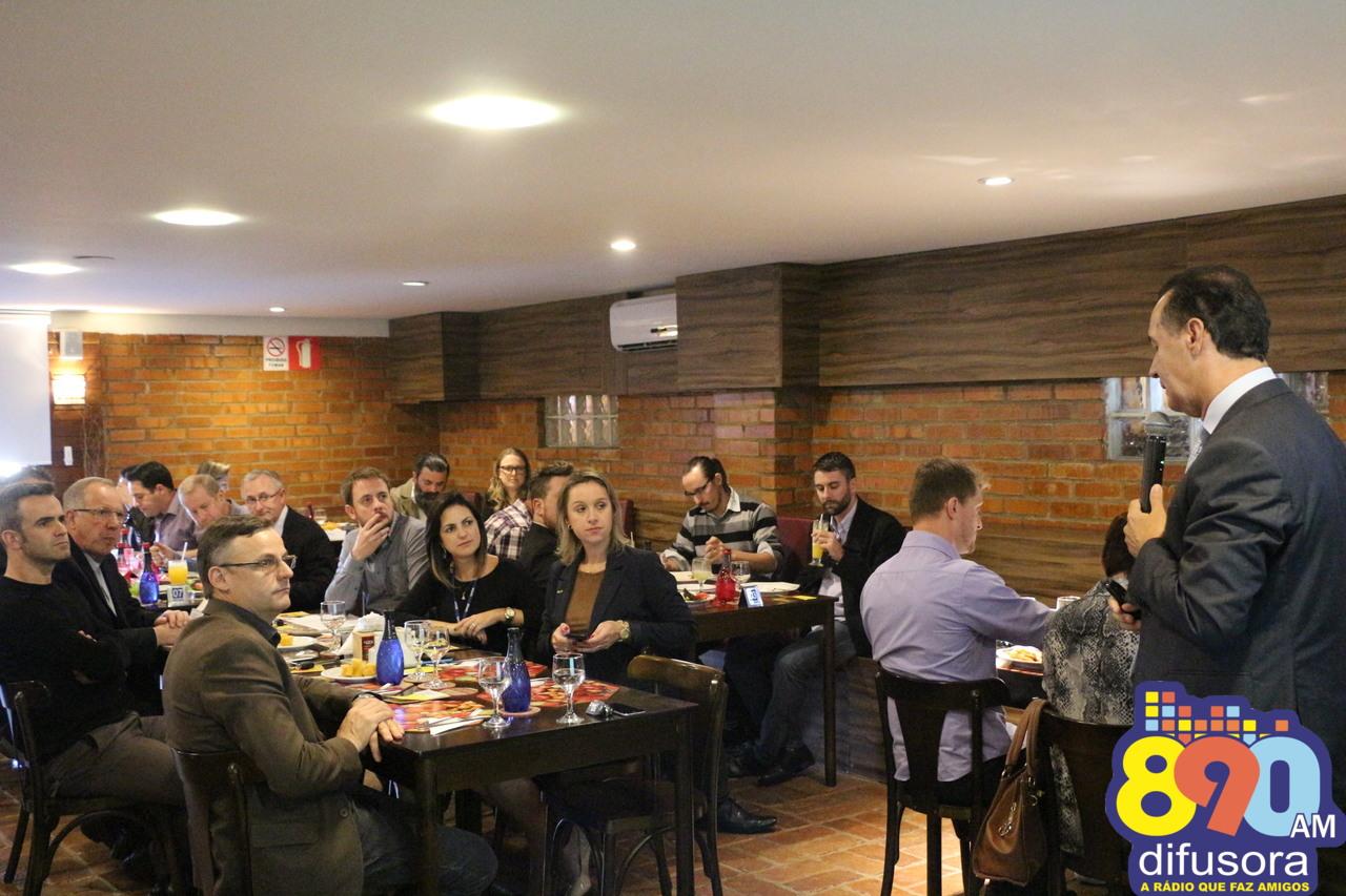 Empreendedores participam de palestra com diretor regional do Senac-RS em Bento
