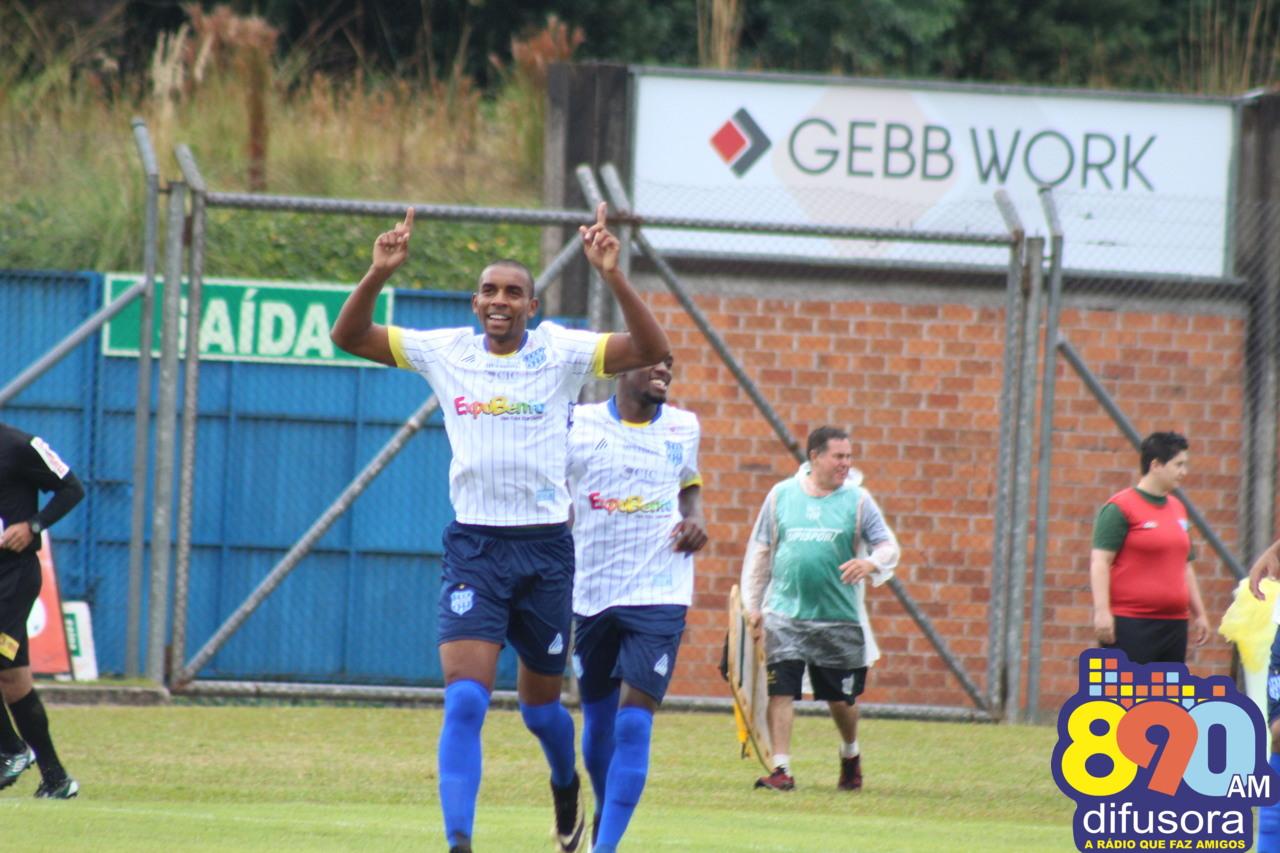 Esportivo goleia o Panambi, com três do atacante Zulu