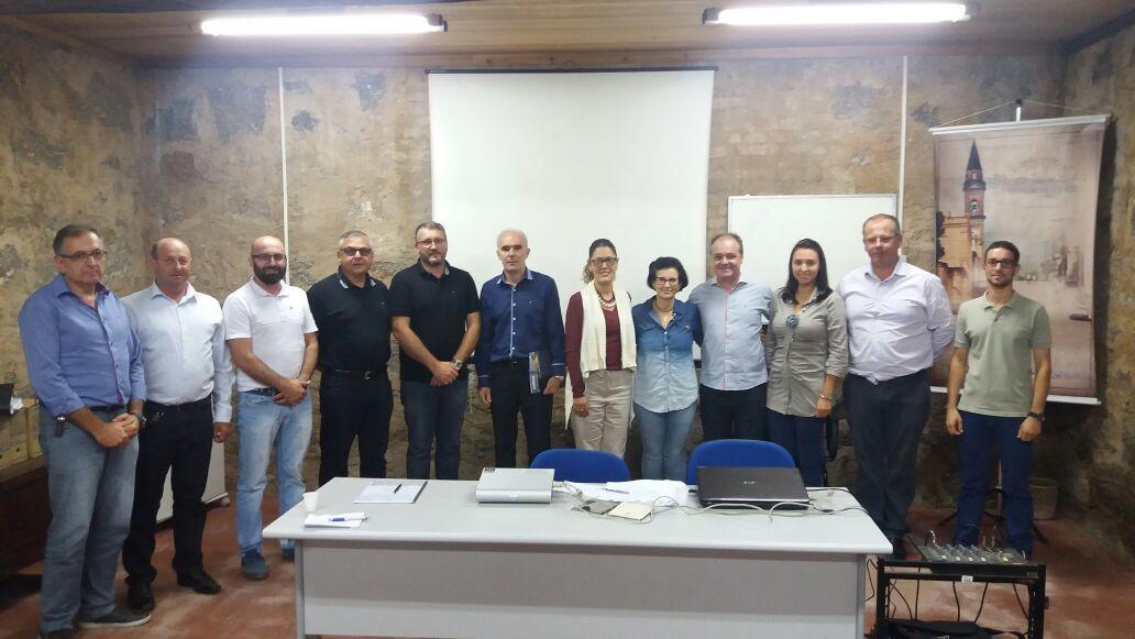 Santa Tereza recebe encontro para retomada do Projeto Caminhos do Pão e do Vinho
