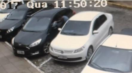 Flagrante de furto em veículo no Botafogo em Bento