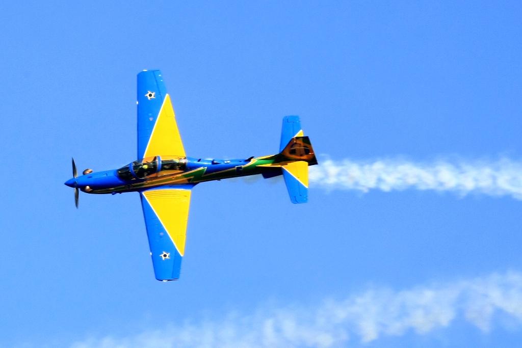 Nos 70 anos do Aeroclube, Esquadrilha da Fumaça se apresenta dia 1º, em Bento