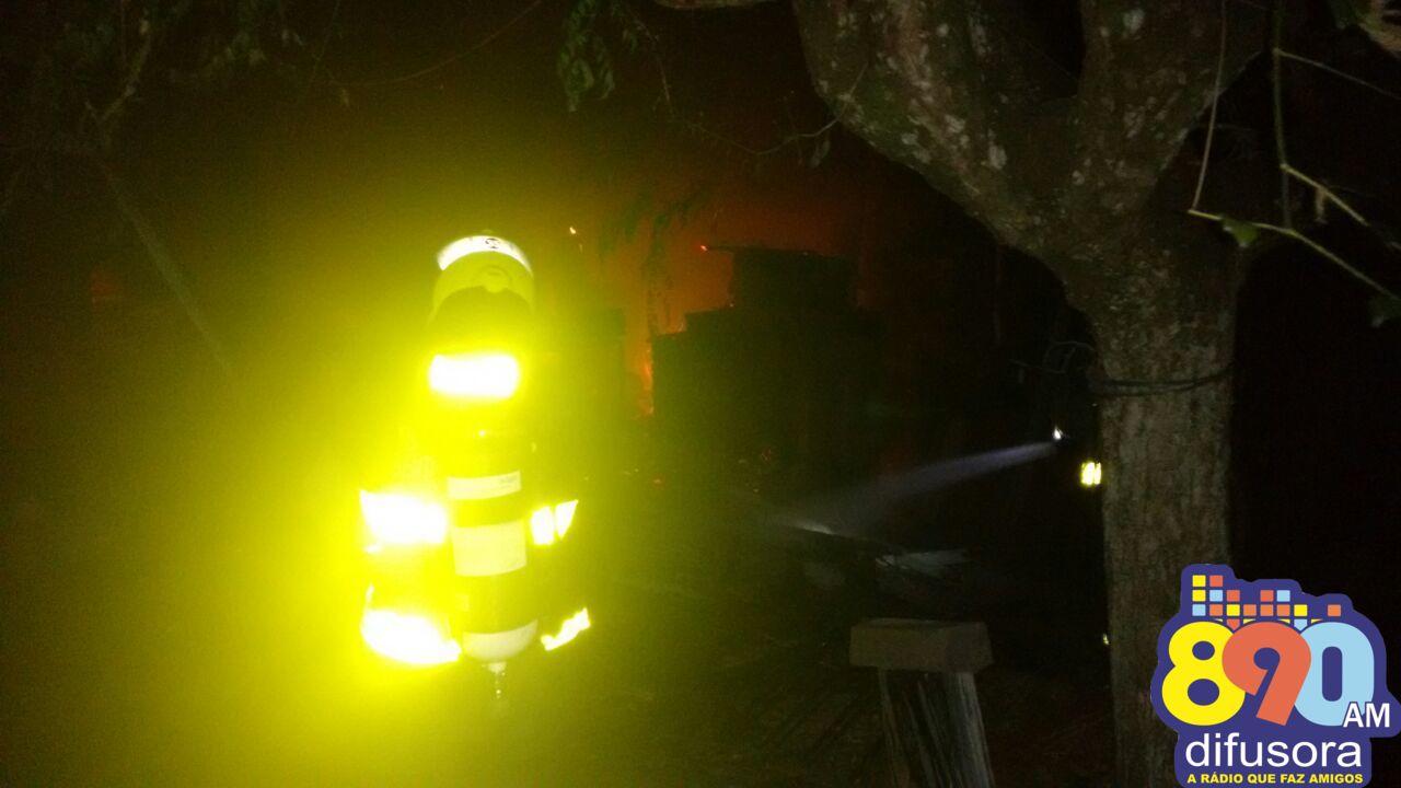 Bombeiros de Bento atendem duas ocorrências de incêndio nesta quarta