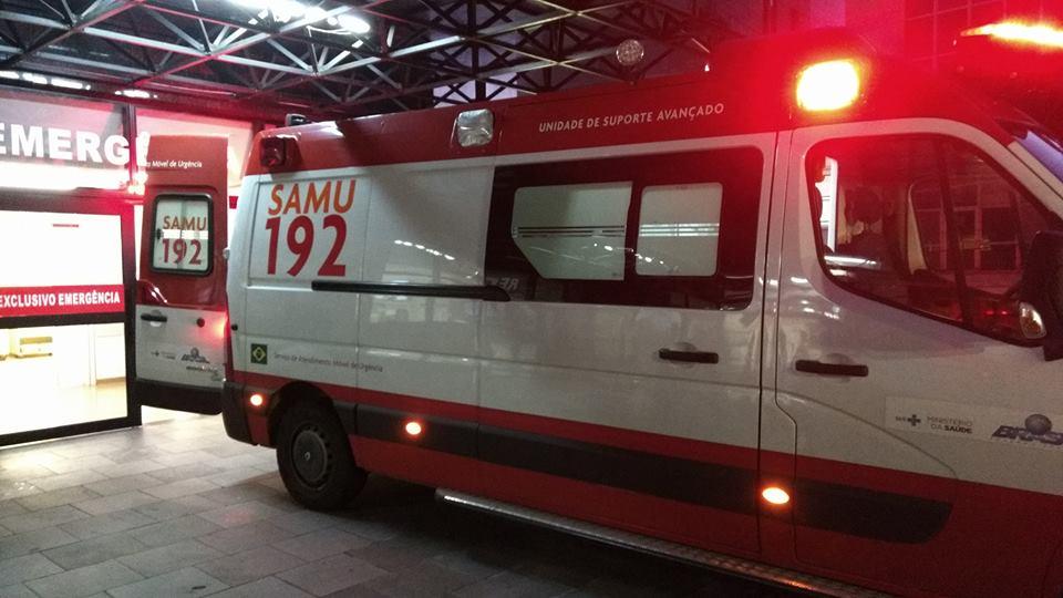 Criança fica ferida ao cair de van escolar em Bento
