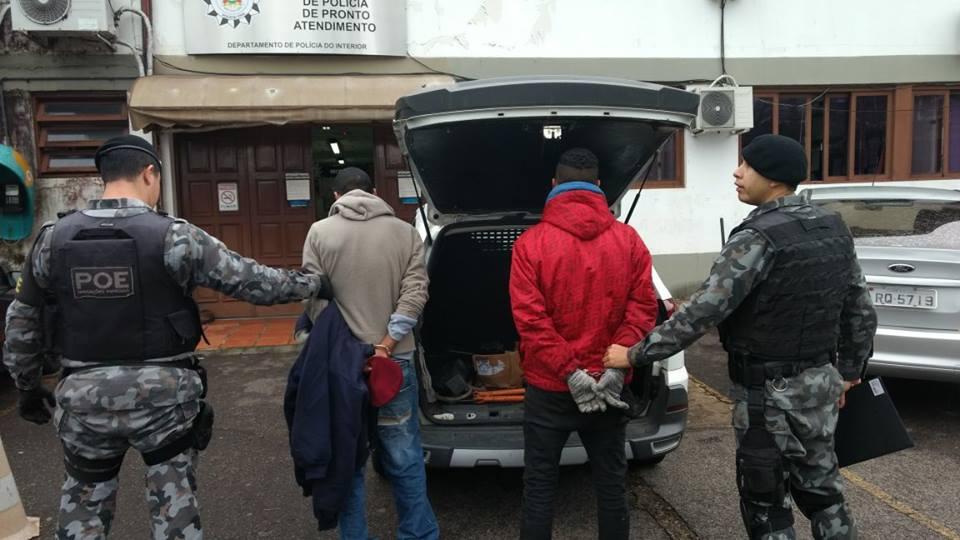 POE prende dois homens por furto em Bento
