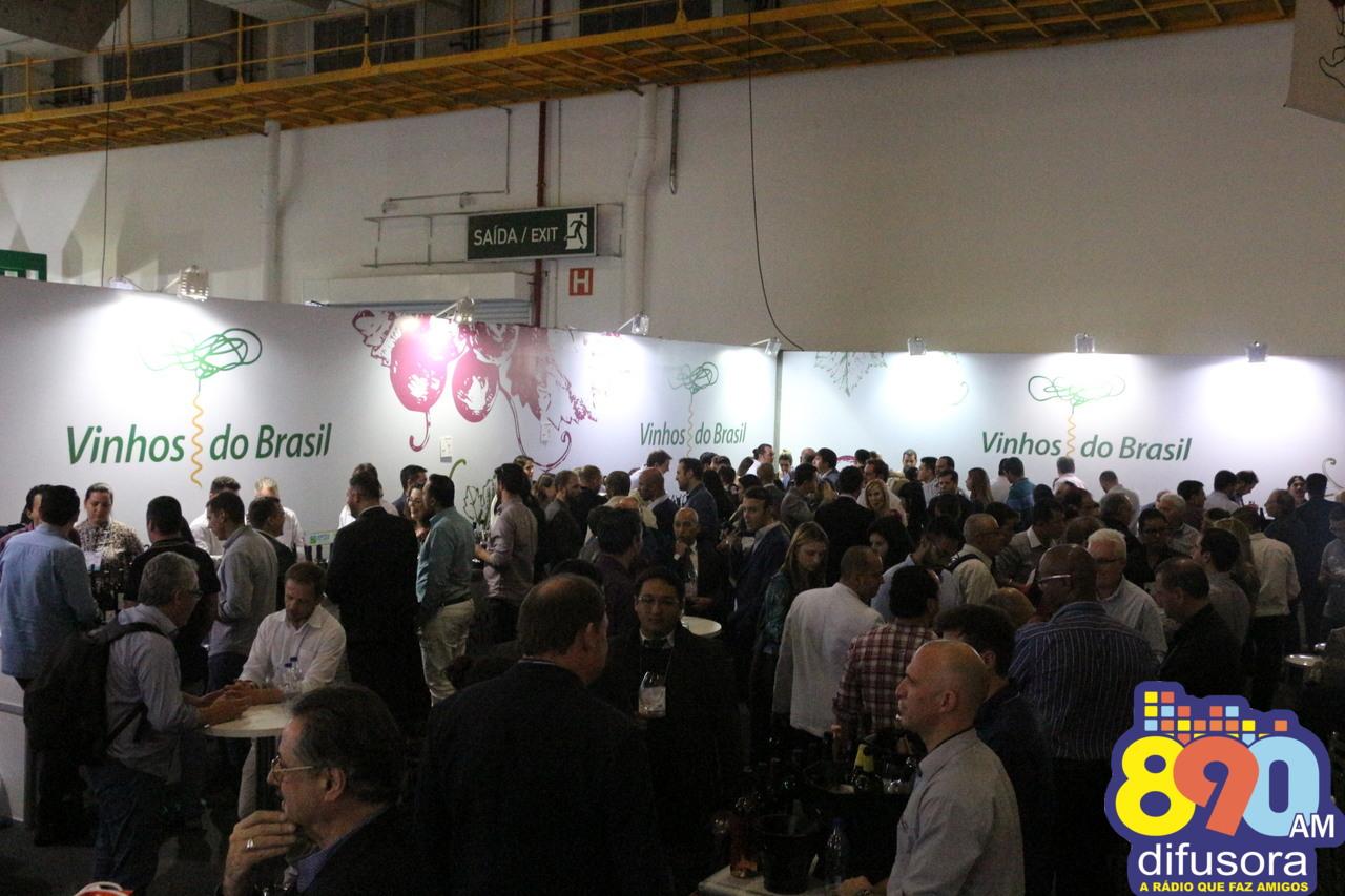 Vinícolas brasileiras celebram participação no Expovinis 2017