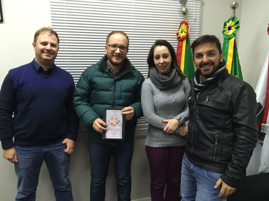 AEARV convida Câmara de Bento para Congresso Estadual em agosto