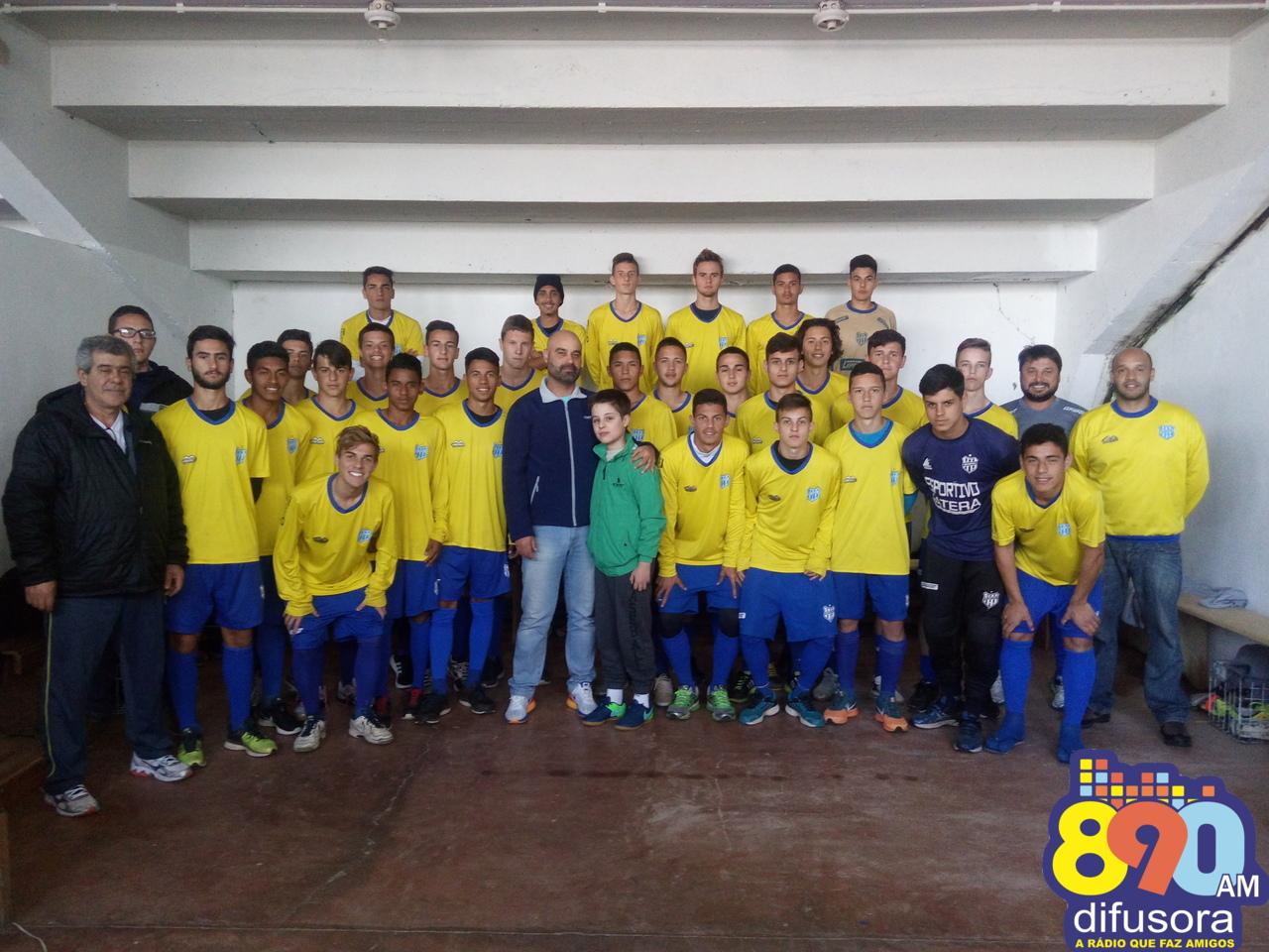 Atletas do Sub 17 do Esportivo participam de conversa com o Treinador Cristian de Souza