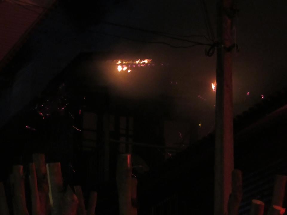 Incêndio destrói casas no Ouro Verde em Bento