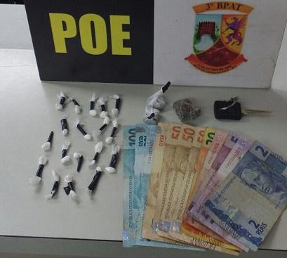 Adolescente é flagrado vendendo drogas no bairro Eucaliptos em Bento