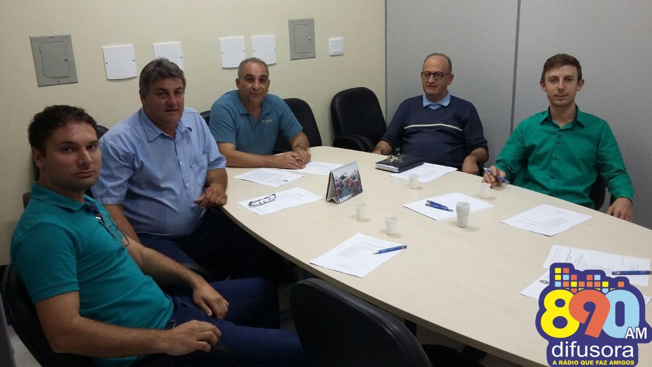 Vereadores de Monte Belo do Sul escolhem agricultor destaque