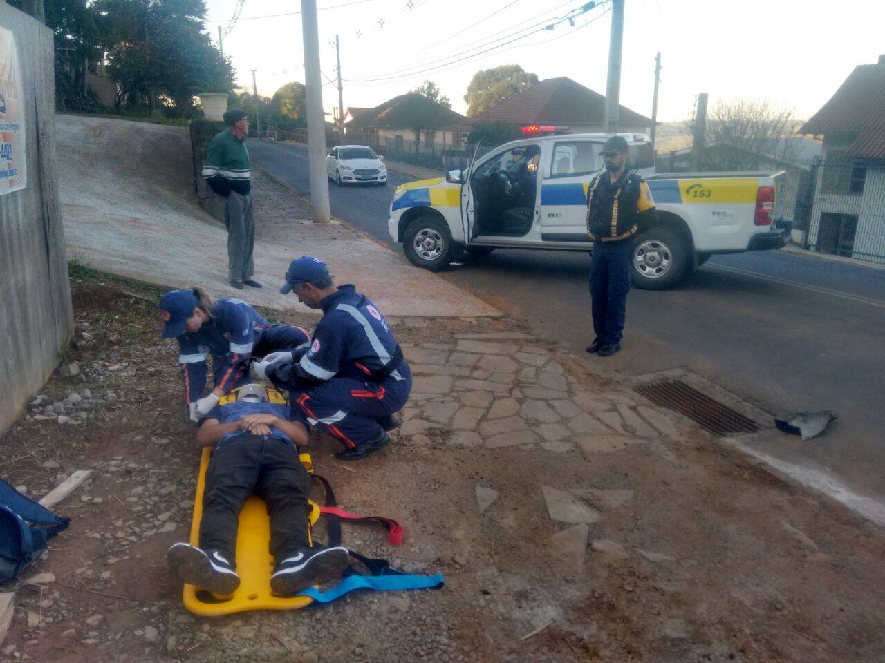 Jovem fica ferido em acidente no bairro Santa Marta em Bento
