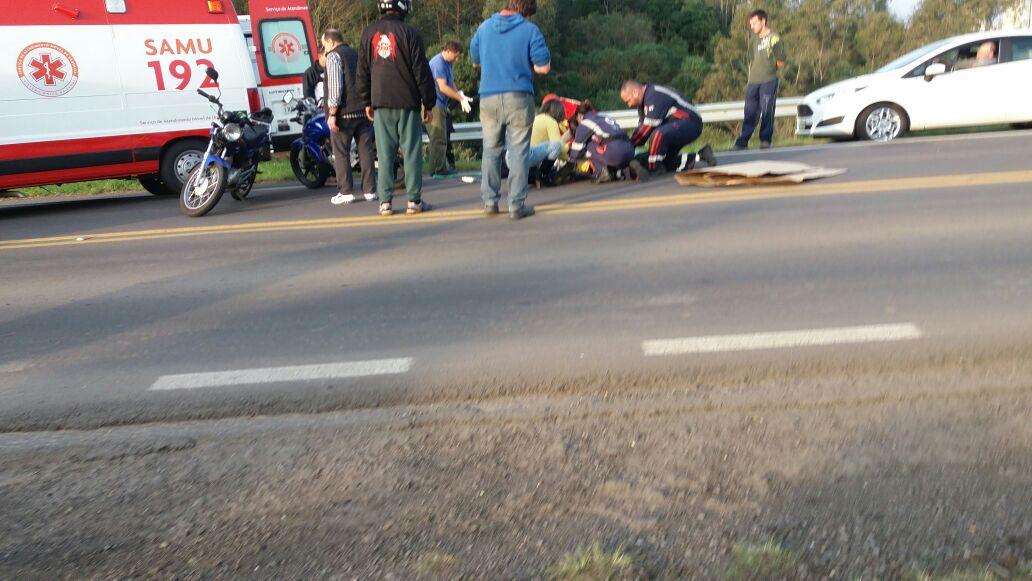 Motociclista fica ferido em acidente na Br470