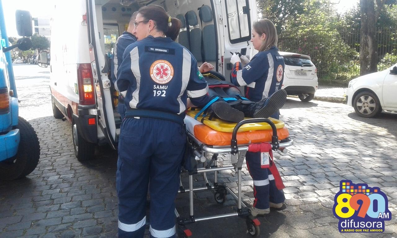 Jovem fica ferida em acidente no bairro Cidade Alta em Bento