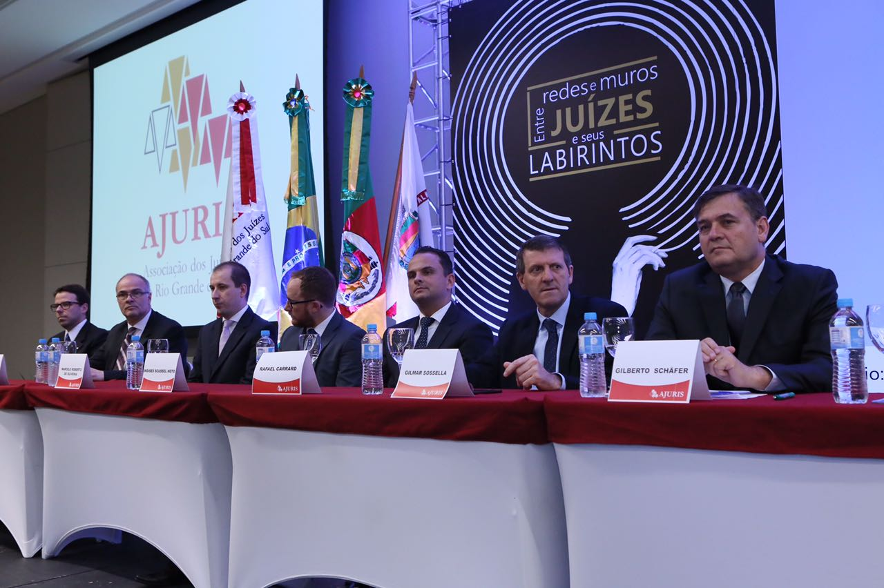 Em Bento, Sossella participa de abertura do XIII Congresso Estadual de Magistrados