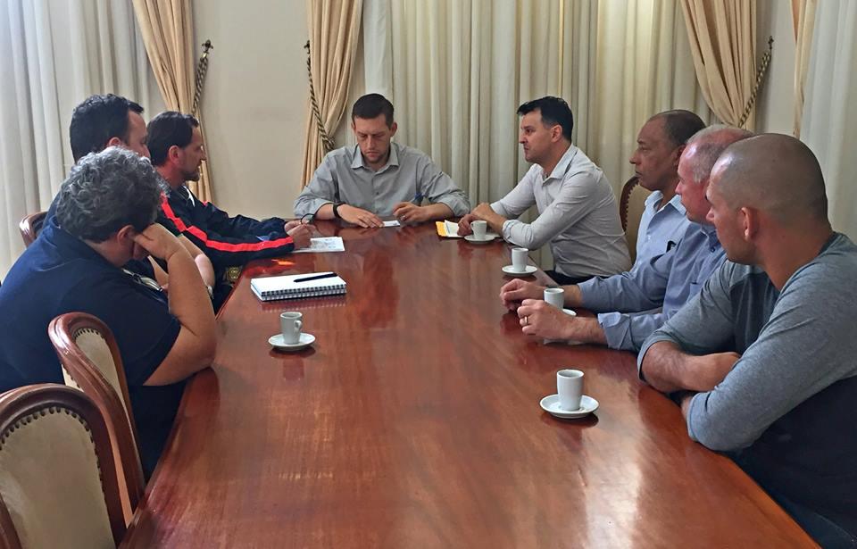 Comissão d Água se reúne com prefeito para tratar da fiscalização da bacia de captação em Bento