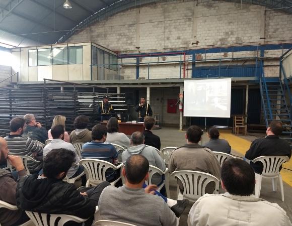 DMT promove palestra sobre segurança no trânsito em Bento