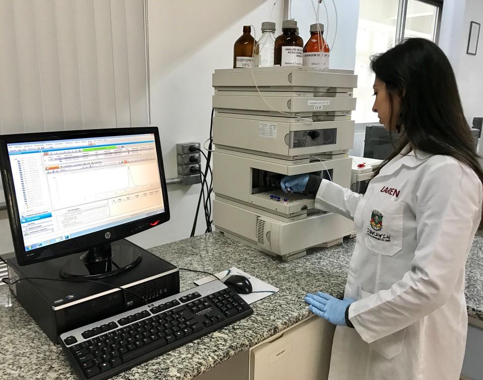 Laboratório da Seapi passa a analisar ácido cítrico de vinhos exportados para a Alemanha