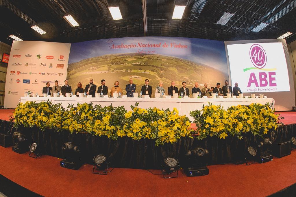 Comentaristas da Avaliação Nacional de Vinhos vem da Ásia, América e Europa