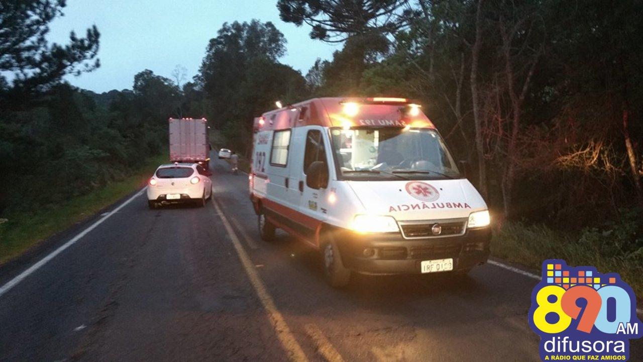 Mulher fica ferida após tombar veículo em acidente na ERS-444 no Vale dos Vinhedos