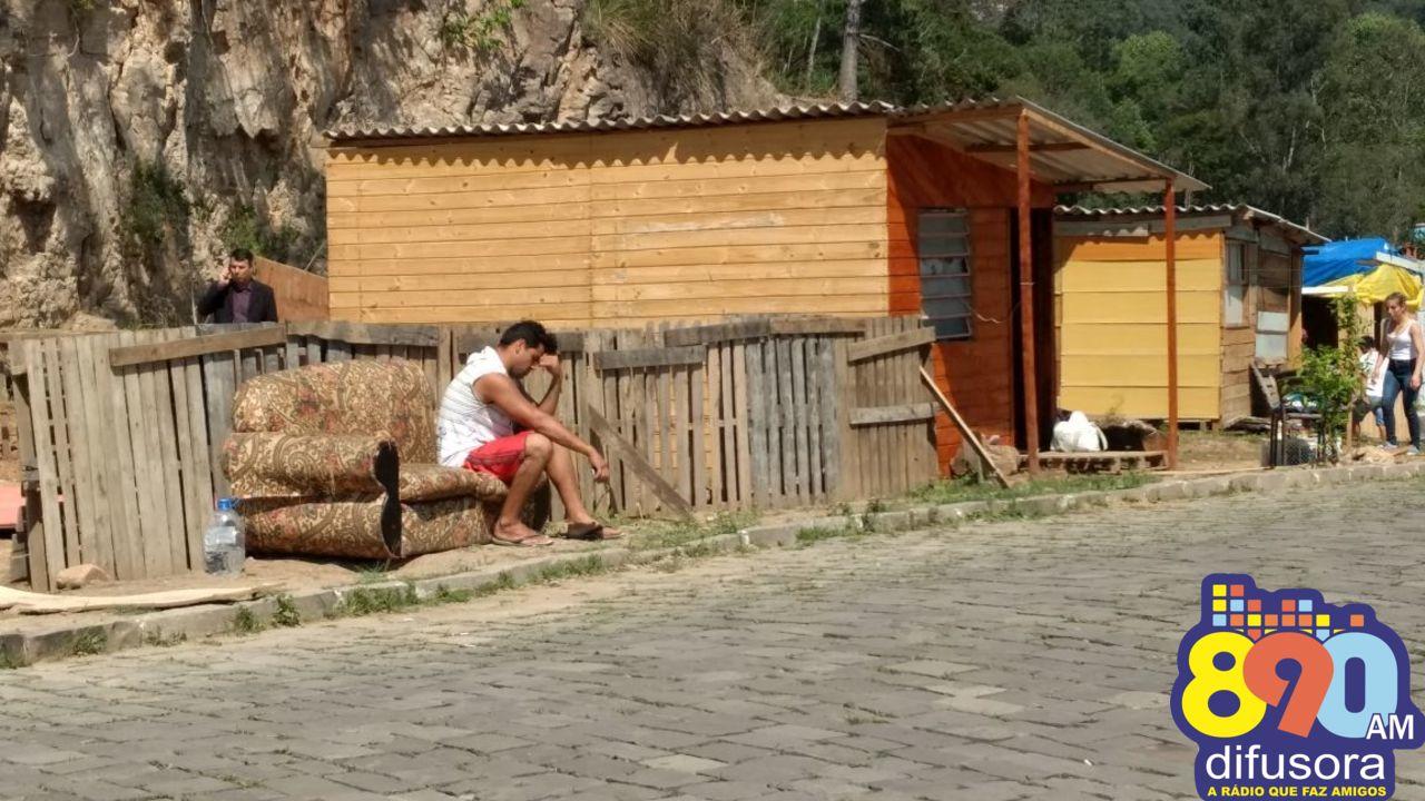 Finalizada a reintegração de posse no Vila Nova 3 em Bento