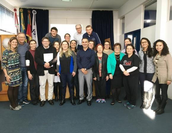 Conselheiros dos Direitos da Criança e do Adolescente recebem capacitação em Bento