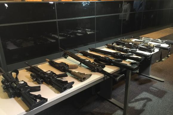 Operação integrada prende criminosos e apreende armas e munição na Rocinha
