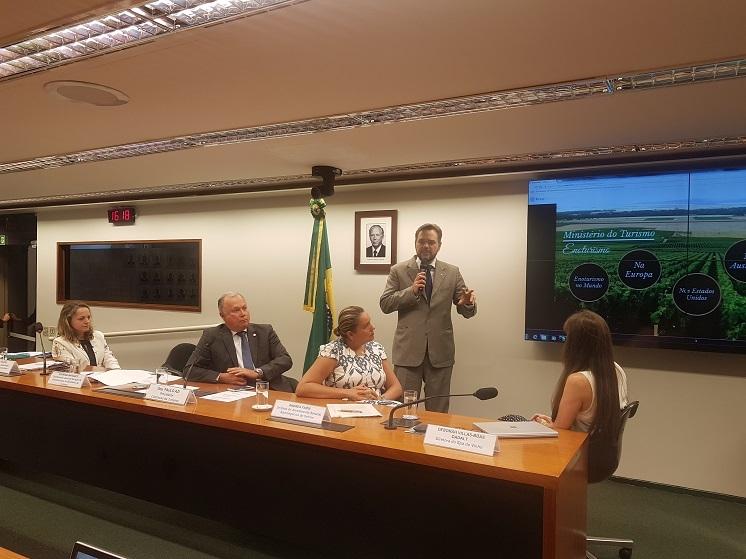 Enoturismo em debate na Comissão de Turismo da Câmara