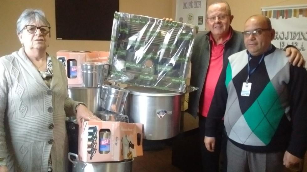 Carlos Barbosa doa materiais de cozinha para o Presídio Estadual de Bento Gonçalves