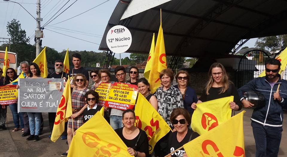 Cpers/Sindicato realiza manifesto em Garibaldi