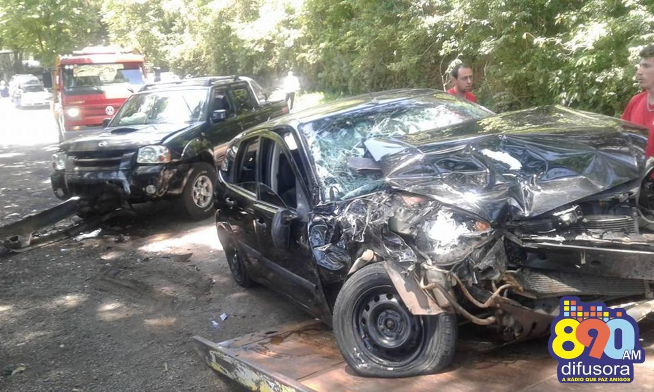 Quatro pessoas ficam feridas em acidente na Serra das Antas em Bento