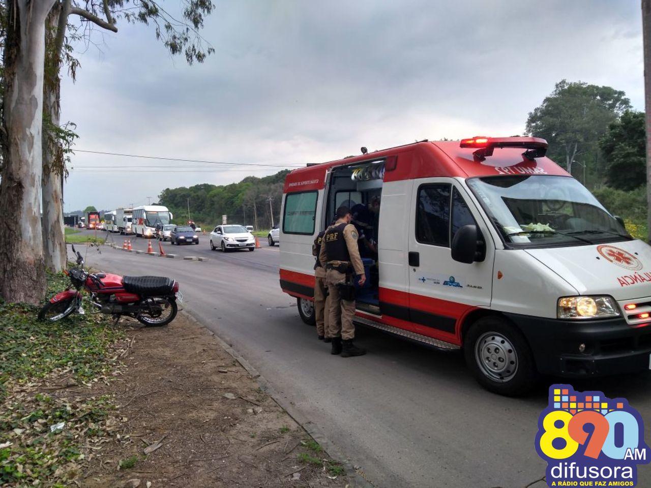 Motociclista fica levemente ferido após queda na BR-470 em Garibaldi