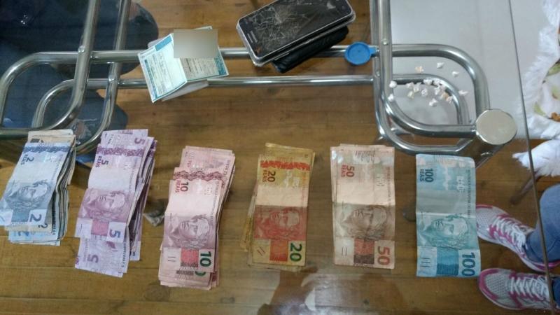 Suspeitos pela prática de tráfico de drogas são presos em Vacaria