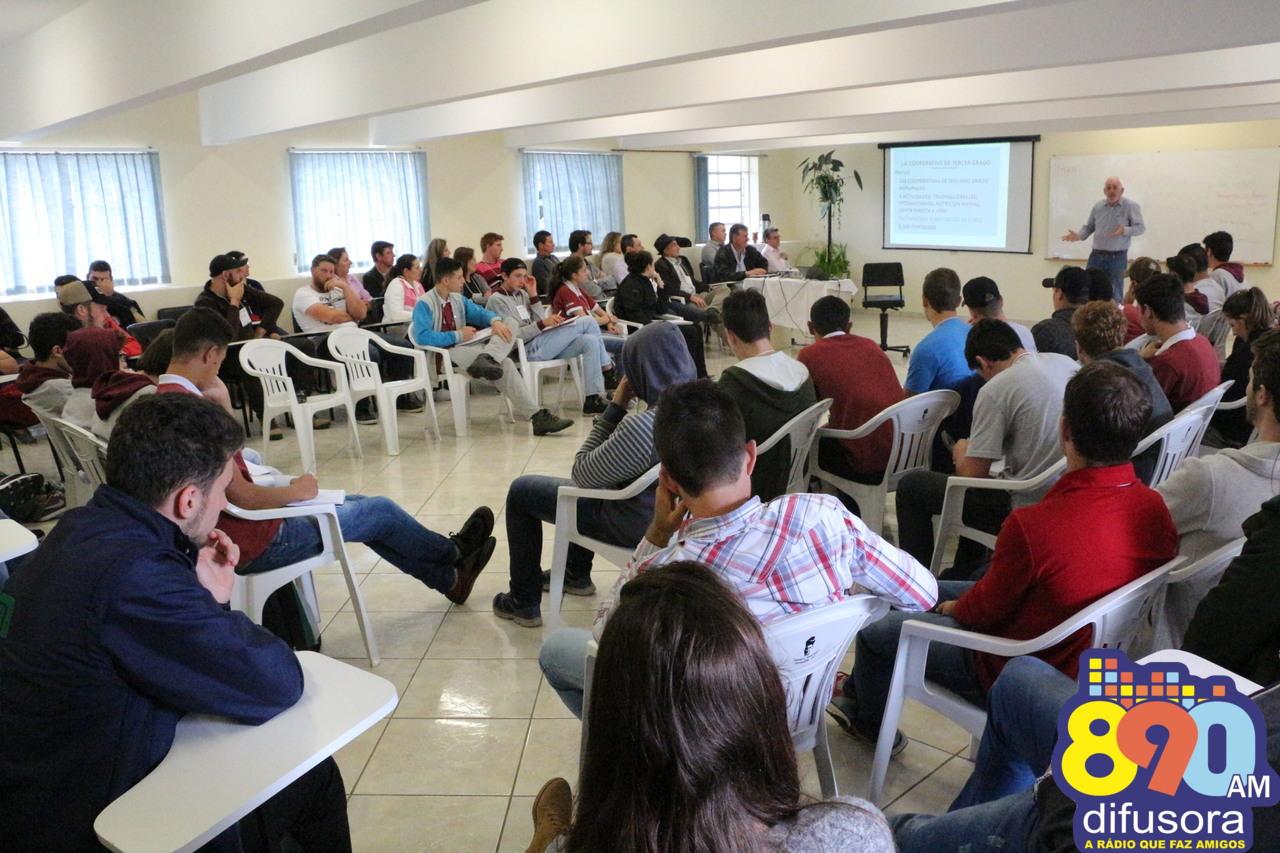 Encontro da Juventude Rural reúne jovens em Farroupilha em reflexão sobre o cenário e o futuro da agricultura familiar