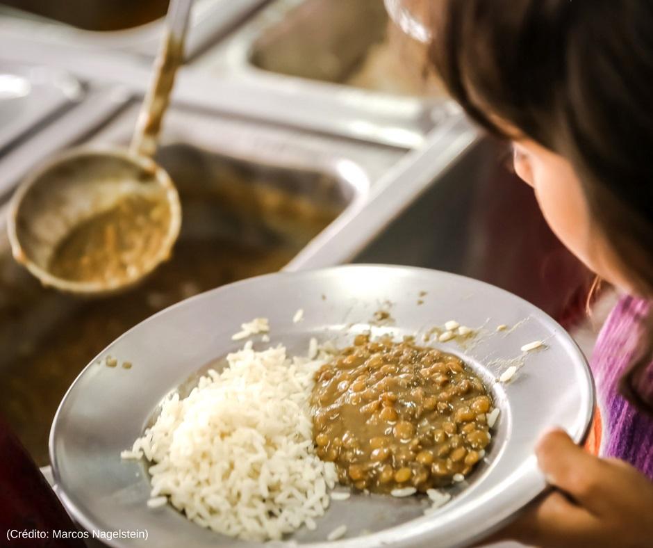 Campanha Prato Cheio arrecada alimentos não perecíveis