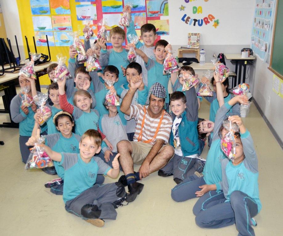Mais de 530 crianças festejam seu dia com ações da Parceiros Voluntários em Bento