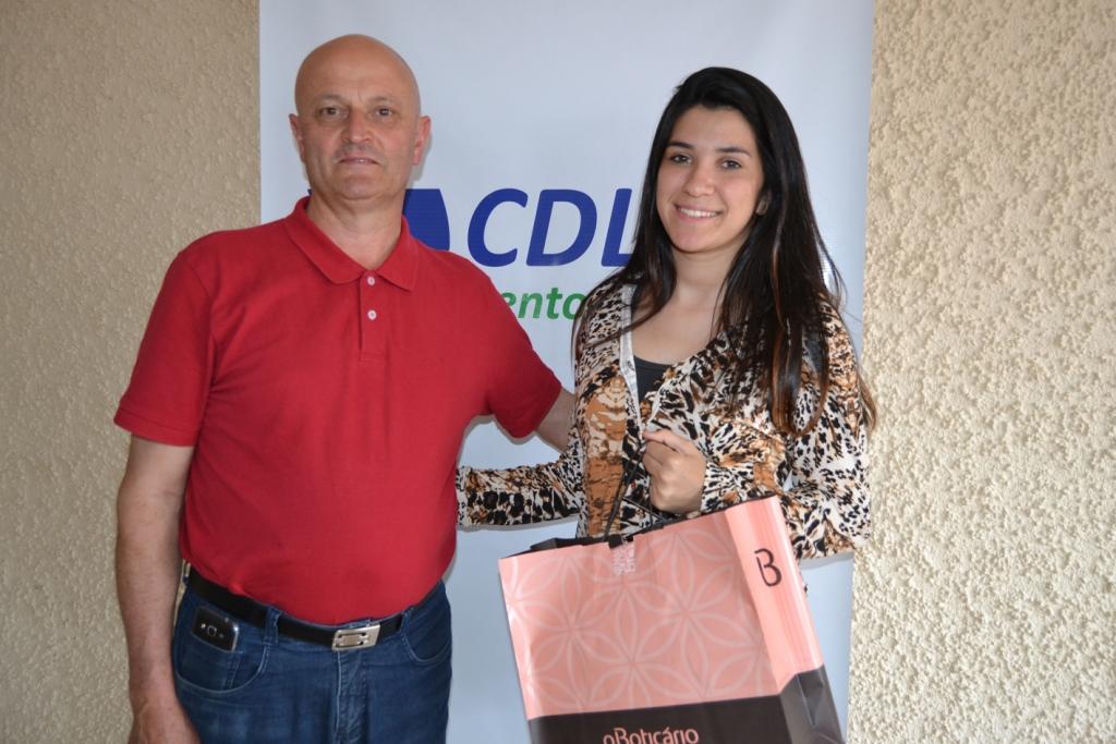 CDL-BG compartilha solidariedade participando do projeto Sonho de Menina Moça