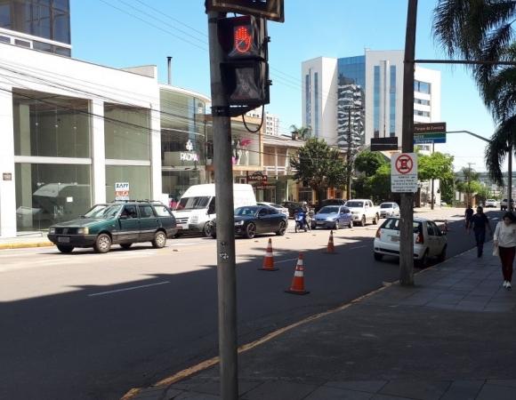 Ponto de táxi ao lado do Shopping L'América será realocado