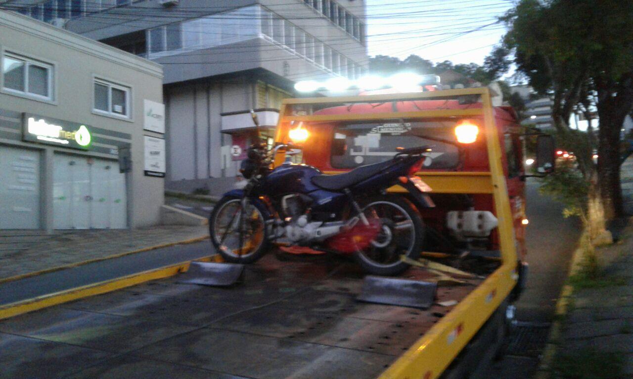 POE recupera moto furtada e prende homem em Bento