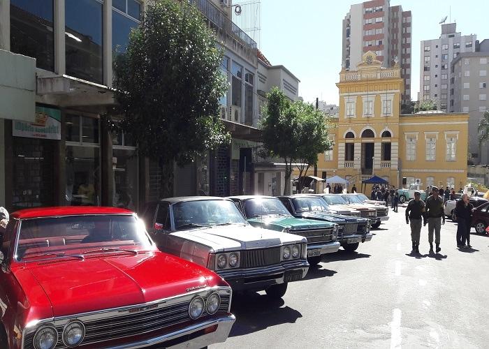 2º Encontro Anual de Carros Antigos ocorre neste domingo em Bento